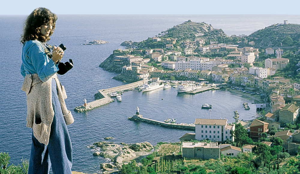 The picturesque little harbour of Giglio Island