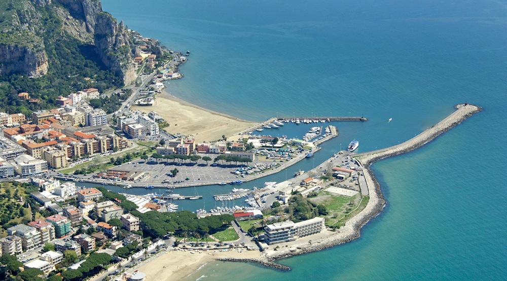 Lazio Region - Terracina's foreshore and our hotel in prime seaside location
