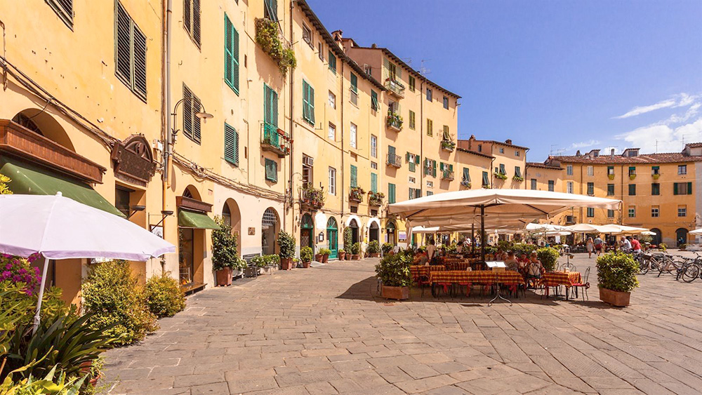 Traditional Tuscan architecture in Lucca