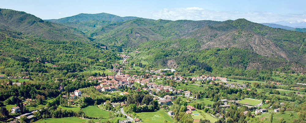 Sassello is a picturesque village set in the Appennini Mountains flanking the Riviera