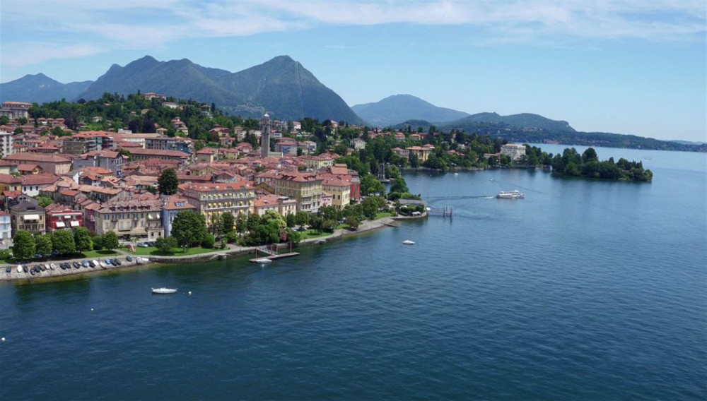 Lake Maggiore – Pallanza waterfront and our hotel in prime position with a little jetty