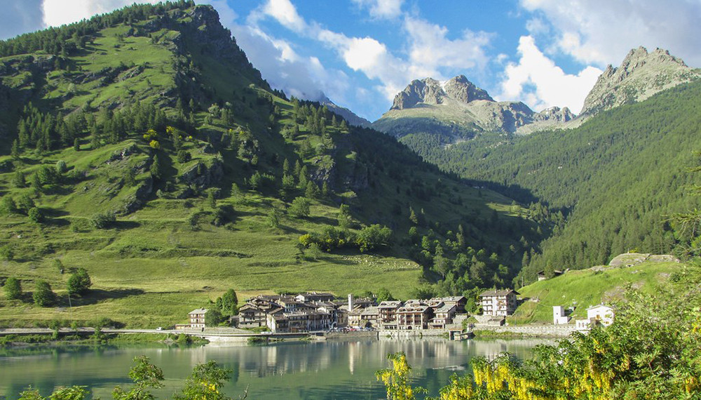 Piemonte Region – Pontechianale is set at 1,400 m above sea level.